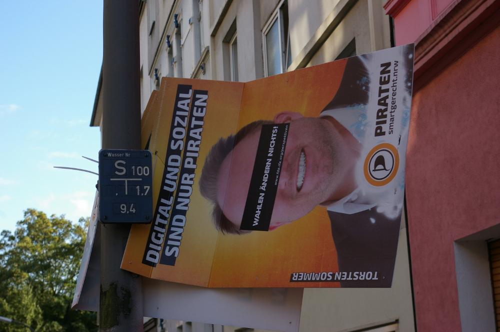 [Foto: Wahlplakat der Piratenpartei]